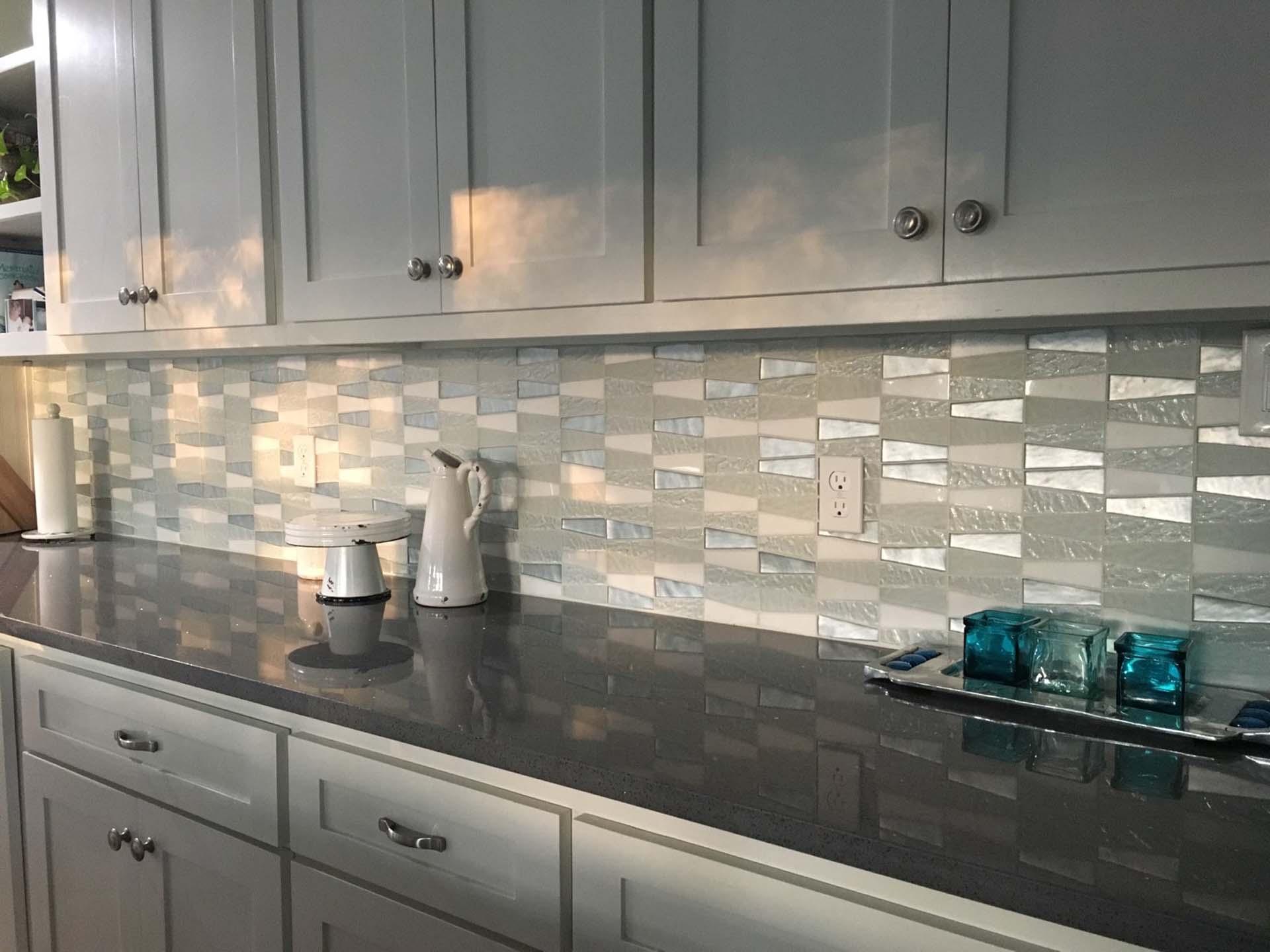 02 Glass Pattern Kitchen Backsplash over Grey Quartz solid countertop